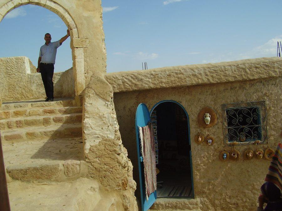 Un pueblo bereber milenario todavía poblado llamado: Takrouna!